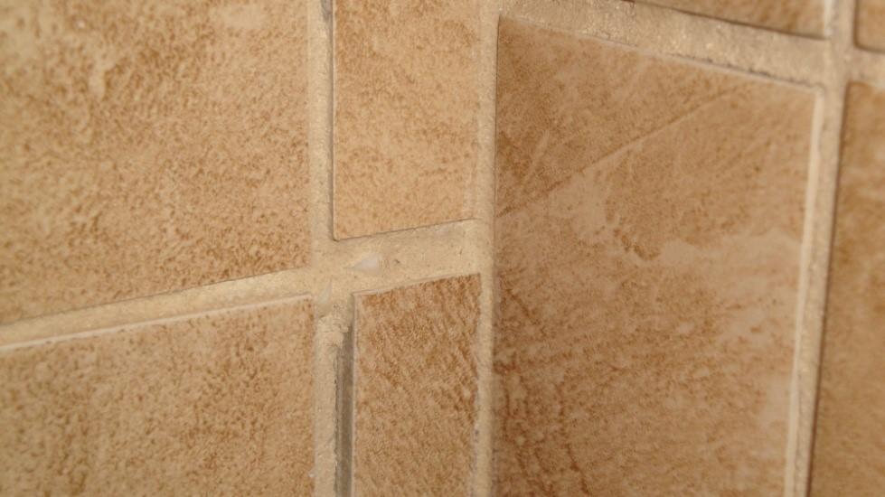 Poor tile installation: tile doesn't line up