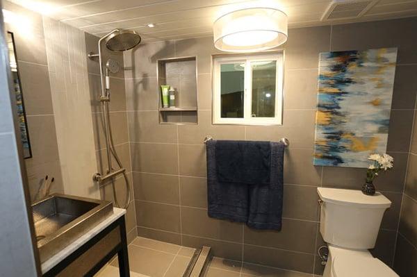 Luxe-Cottage-Bathroom